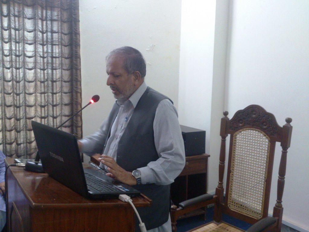 Dr Abdul Shkaoor Principal CVAS Jhang